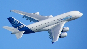 Airbus_A380_blue_sky (By Flickr user Axwel [CC BY 2.0] via Wikimedia Commons)